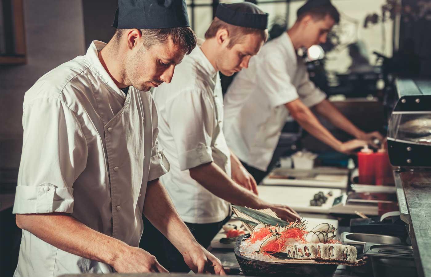 Photo of 世界で2番目に寿司を食べるフランスは、訪日フランス人YouTuberで空前の日本ブーム到来の予感