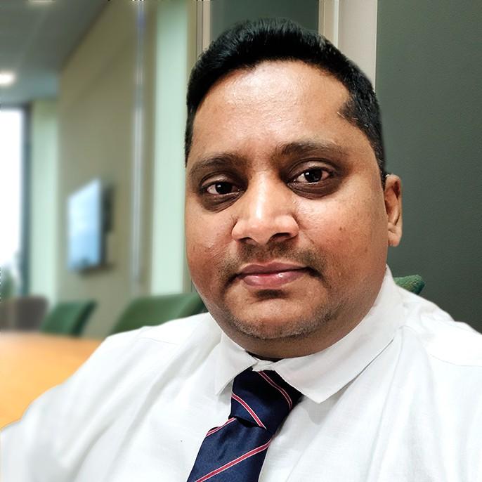 フルスタックエンジニア Umar Mohammad