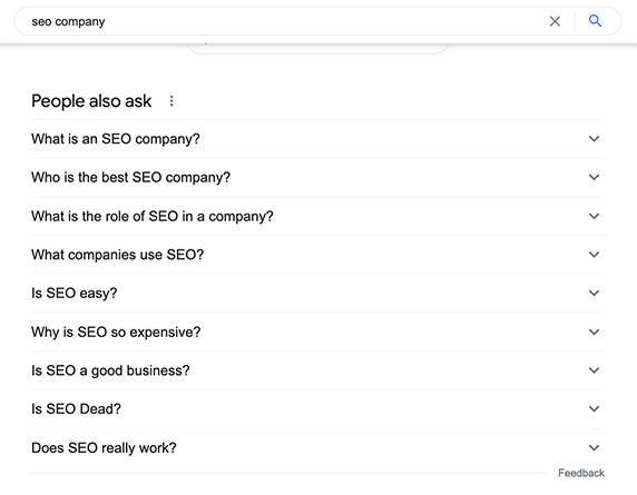 People also askの例「seo company」と検索すると、関連した質問が表示される。